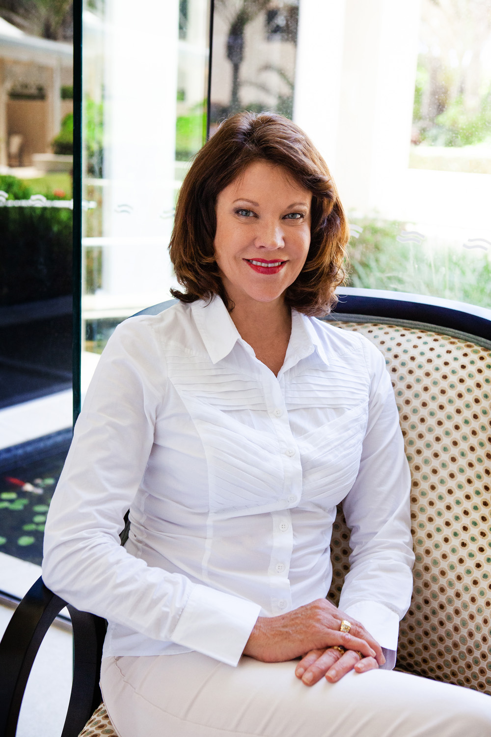 Business woman in a white shirt, working, gold coast head shots, gold coast corporate photography, gold coast business photography, gold coast business community, gold coast business woman, gold coast business woman photography, lana noir, @lananoir, gold coast industry professionals, best photographer gold coast, robina photographer, broadbeach photographer